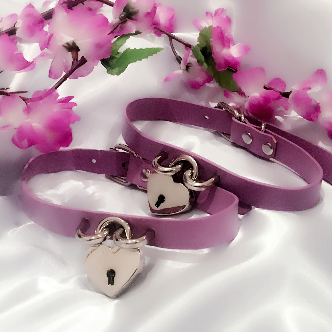 Purple leather heart lock choker collar cute fashion at BABYVOODOO.COM - shop pastel goth fashion at baby voodoo ♥
