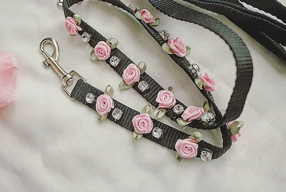 Black and Pink Rose Crystal BDSM leash for princess ddlg kawaii kink fashion available at BABY VOODOO - Shop now at BABYVOODOO.COM collar choker pastel fetish
