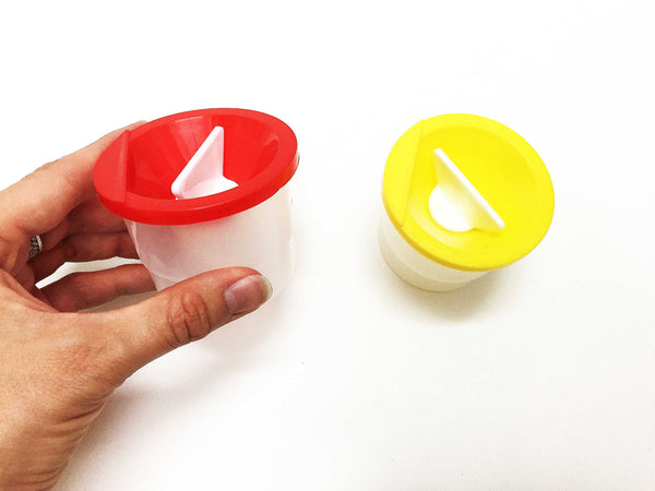 No spill mini water paint cups
