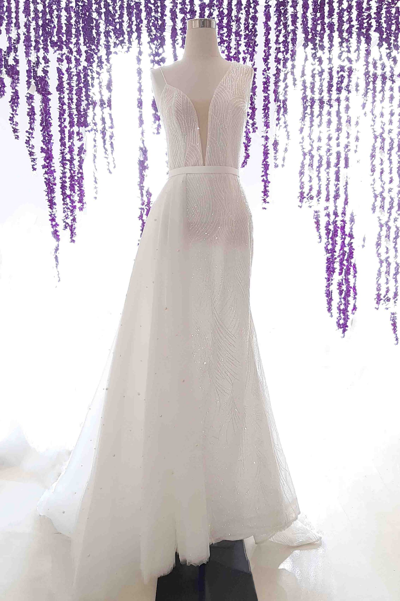 Rent: Bramanta Wijaya - Asymmetrical Convertible Gown