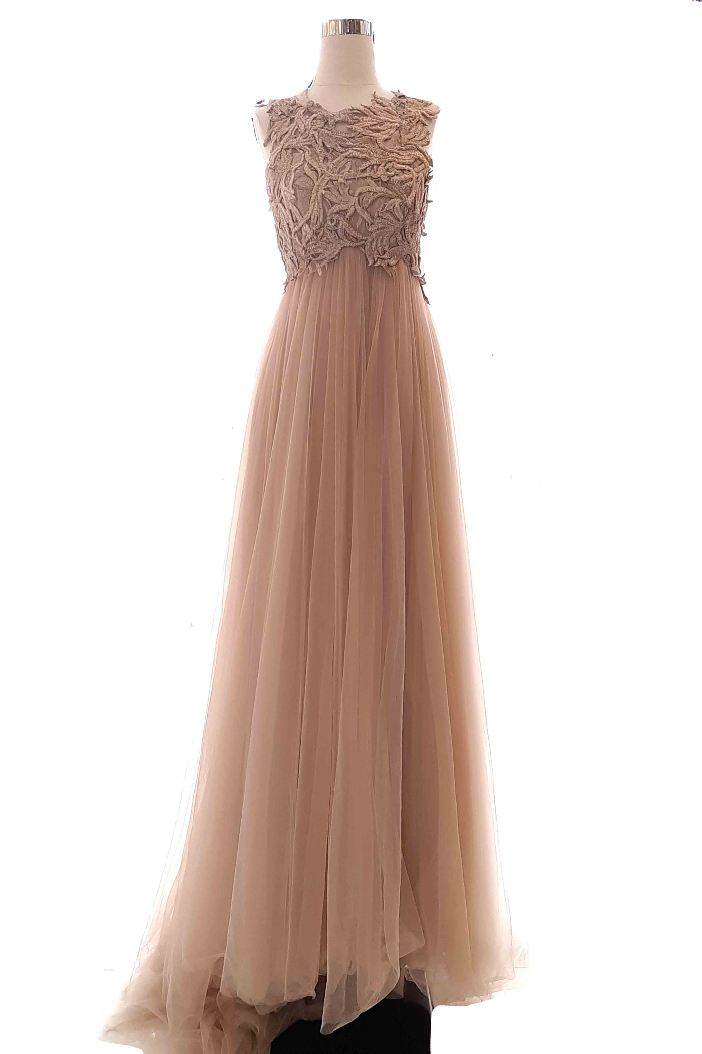 Buy : Liliana Lim - Beige Sleevless Tulle Gown