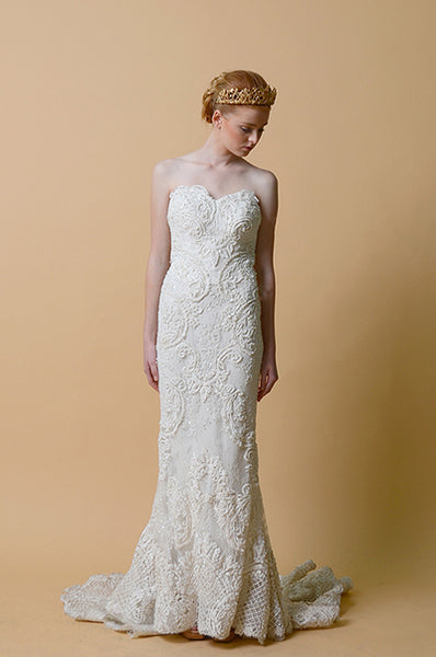 Rent: Anaz Khairunnaz Column Strapless Wedding Gown
