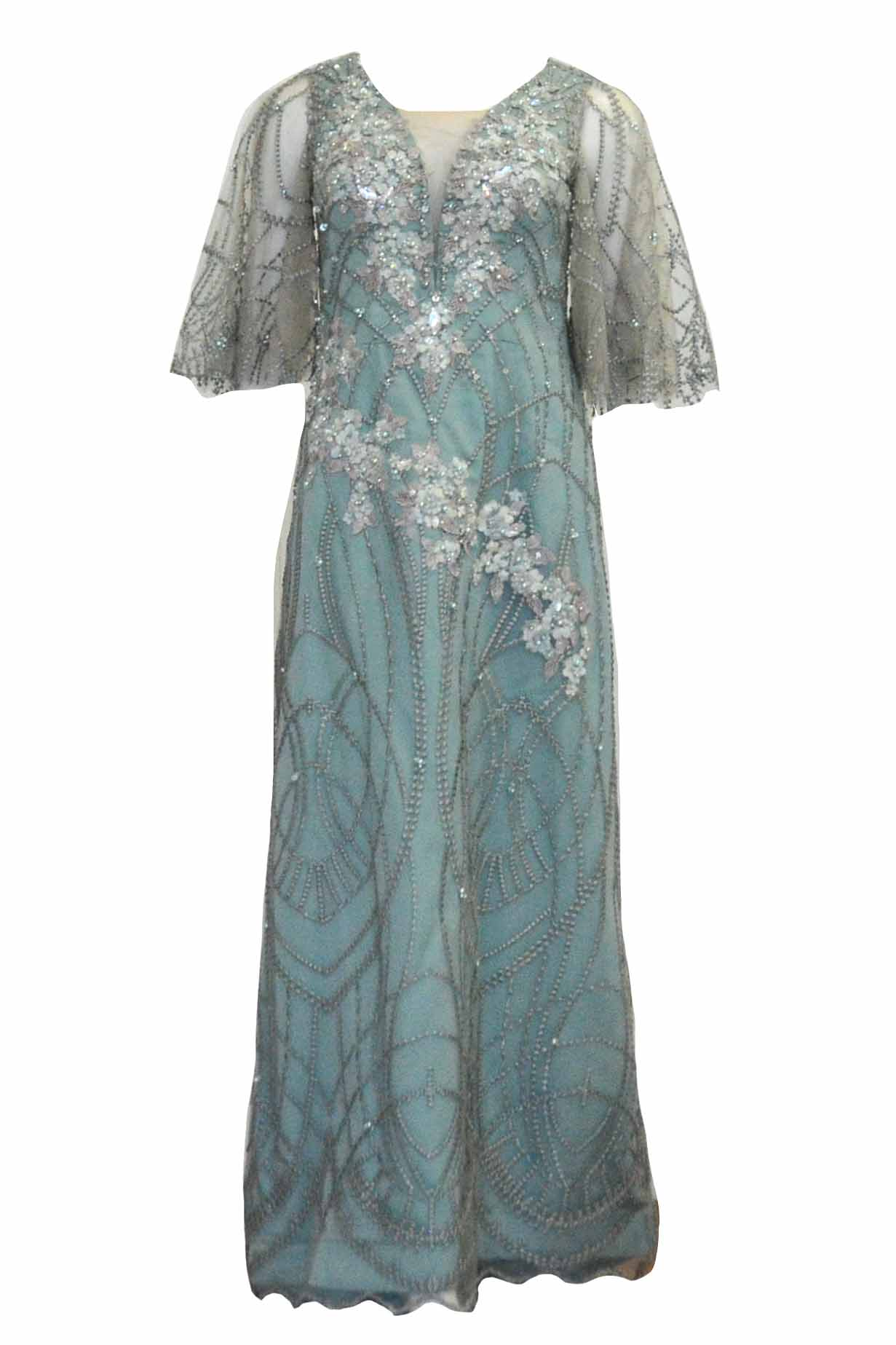 Rent:  Gisela Privee - Green 3/4 Sleeves V Neck Gown