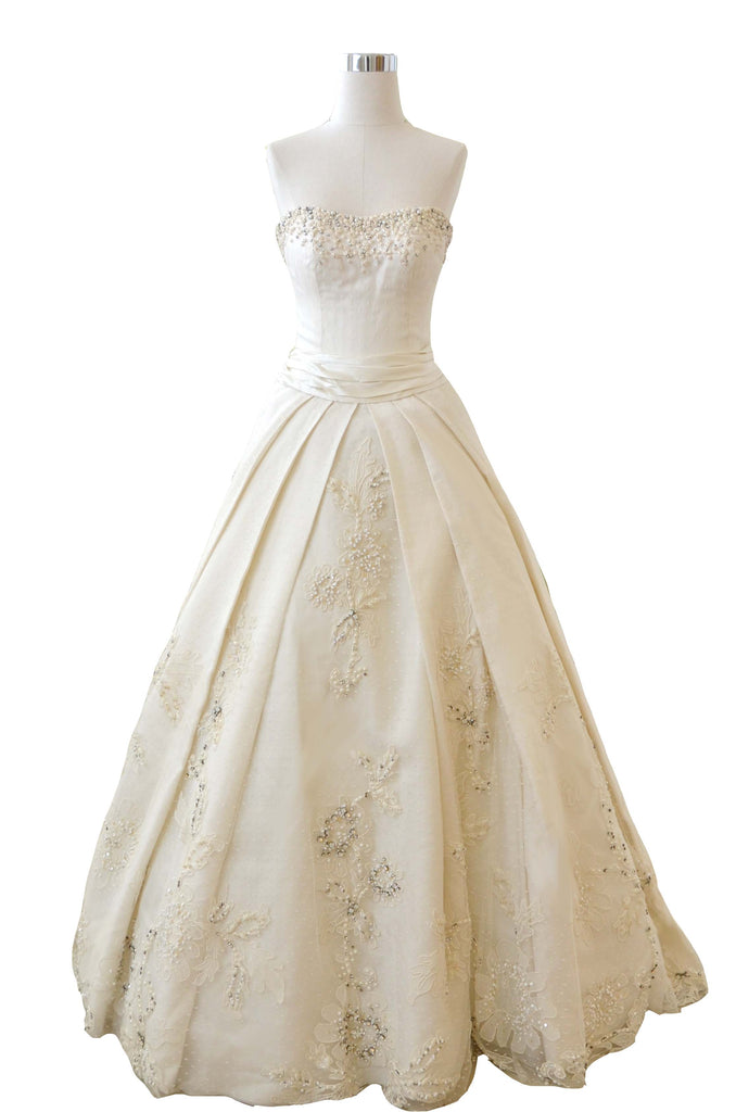 Rent: Biyan - Sweetheart Beaded Flower with Bow Wedding Gown