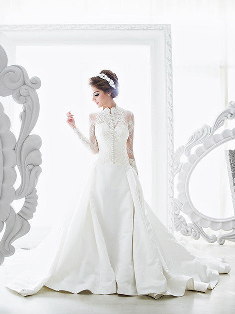 Galih Prakasa Grace Kelly Wedding Gown | TheDresscodes.com