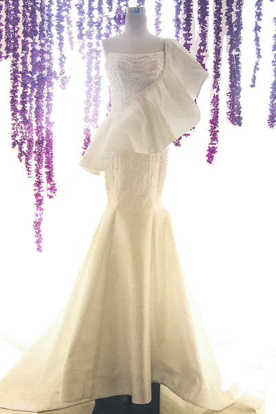 Rent:  Gisela Privee - Mermaid Wedding Dress with Cape