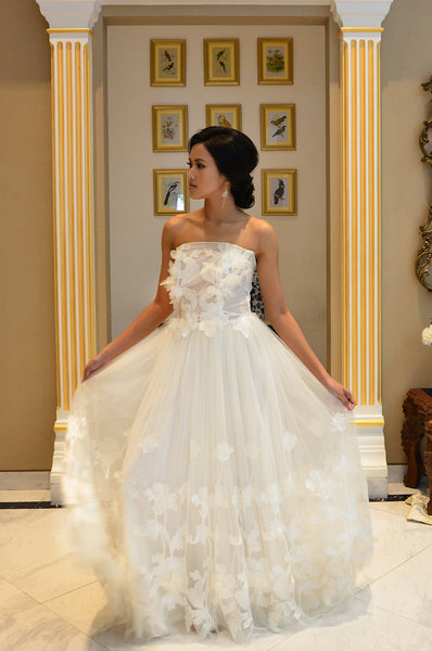 Rent: Kaviar Gauche  -  Airy Iris Bustier Wedding Dress