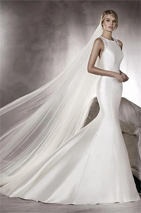 Rent : Pronovias - Halter Sateen Mermaid Wedding Gown