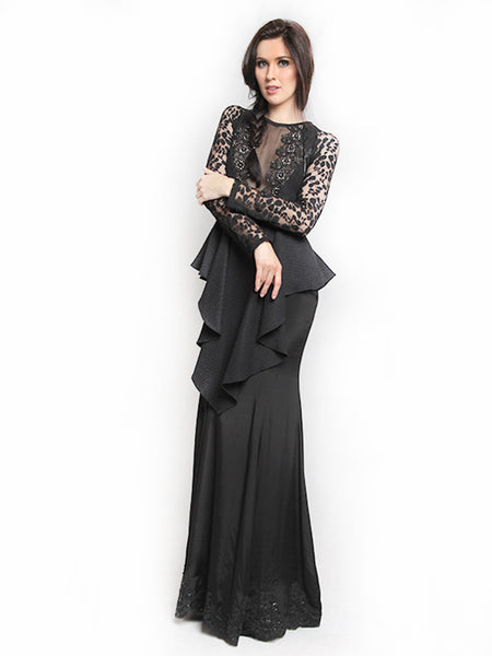 Rent: Sisca Phang Long Sleeve Lace Gown