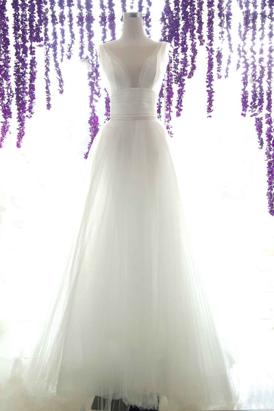Rent: Yefta Gunawan - V Neck Sateen Ball Gown