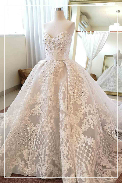 Rent: YEFTA GUNAWAN Full Embellished Ball Gown