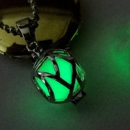 Glow in the Dark Necklace (Various Colours)
