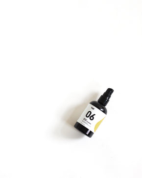 06 Warm Up | Moisturising Body Oil | Nutmeg + Galbanum