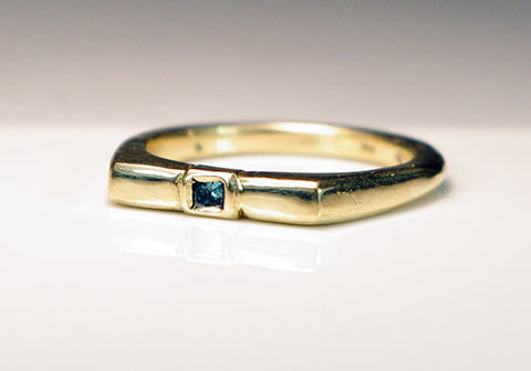 14K Gold Ring Blue Diamond