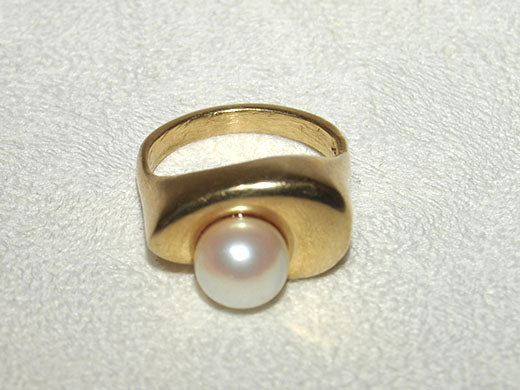 14K Gold Ring with Pearl