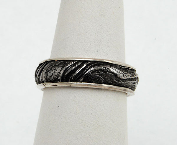 Bespoke Damascus Steel Ring with Gold Liner - riccoartjewelry.com  - 3