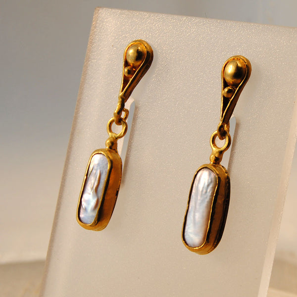 22K Gold Post Earrings with Bar Pearl Drops - riccoartjewelry.com
