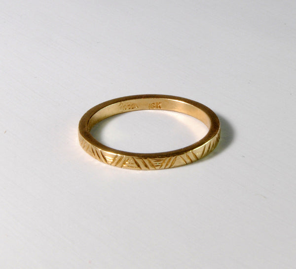 18K Gold Engraved Square Edge Band - riccoartjewelry.com  - 2