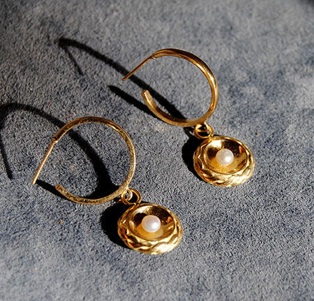 18K Gold Hoop Earrings with Pearl Drops - riccoartjewelry.com  - 3