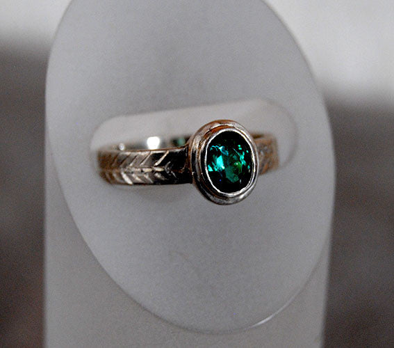 Green Tourmaline Ring with Engraved Details - riccoartjewelry.com  - 1