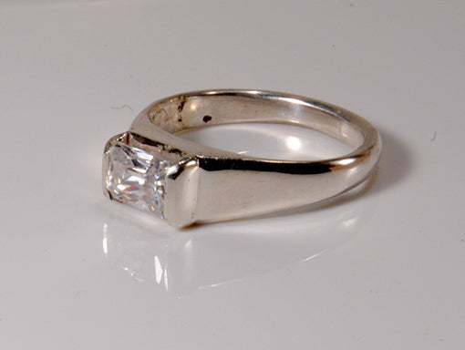 Radiant-cut Diamond Original Design Ring