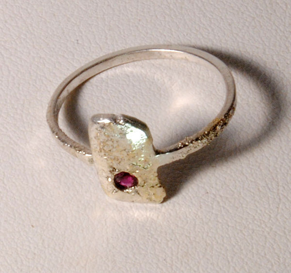 Stardust Textured Ring with Ruby