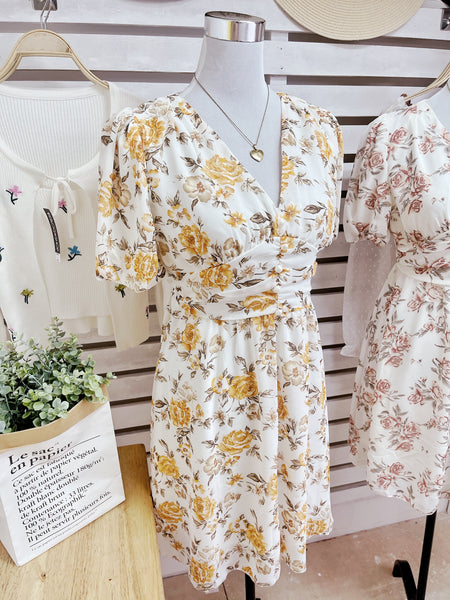AERA Vintage Cinched Chiffon Puff Sleeve Dress - Yellow Roses