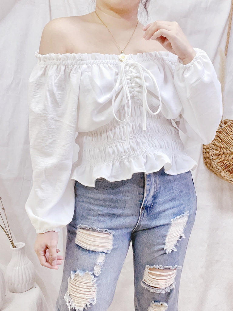 WYNTER Cinched Puff Sleeve Top