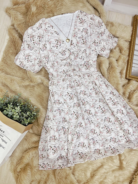 AERA Vintage Cinched Chiffon Puff Sleeve Dress - White Floral 2