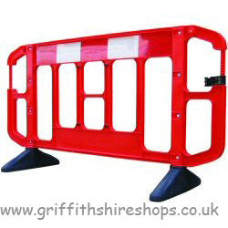 Plastic Crowd / Road Barrier