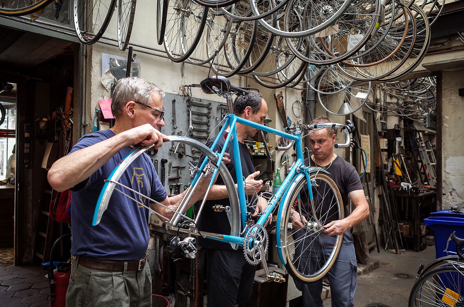 Meeting the great constructeurs. Here with J. P. Weigle at Cycles Alex Singer in France, working with Olivier Csuka on the bike for the 2017 Concours de Machines Technical Trials. (Photo: Natsuko Hirose)