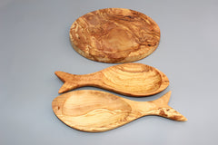 Set of 03 olive wood cookware: 01 Olive wood Round Cutting Board + 02 Fish-shaped dishes