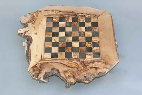 Unique Olive Wood Natural Edges Chess Set / Personalized Custom Wooden Chess Board Set / Engraved Olive Wood Rustic Chess Set
