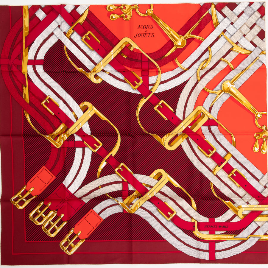 HERMÈS CARRE TWILL 90CM SILK SCARF CARRE TWILL MORS A JOUETS CHEMISE VR/ BORDEAUX/ OR/ ROUGE