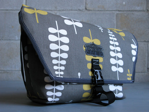 """Lost Weekender"" Commuter Bag - Frond"