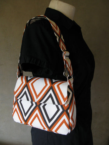 Medium Purse in Orange and Black Diamonds on Natural