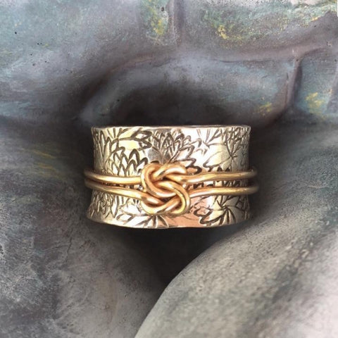 RESERVED - Size O uk/ Size 7 us Lovers Knot Meditation Ring
