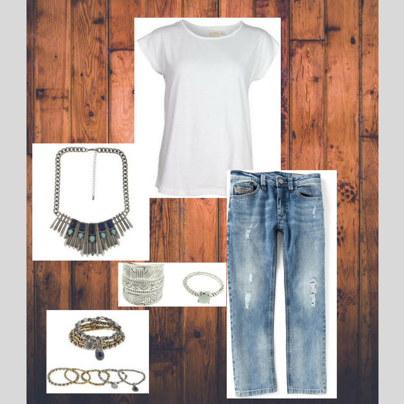 White T shirt Accessories