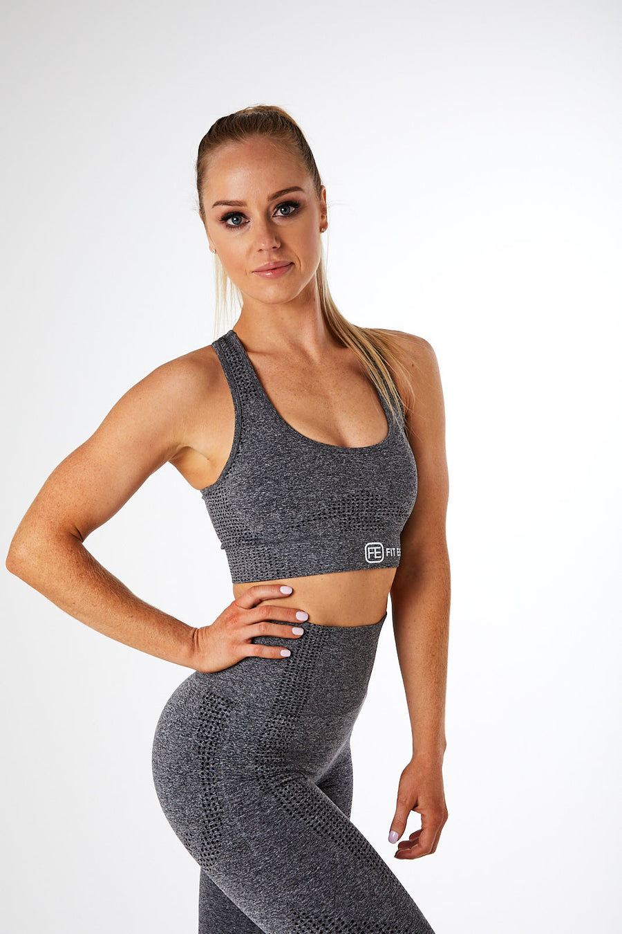 SEAMLESS SPORTS BRA CHARCOAL