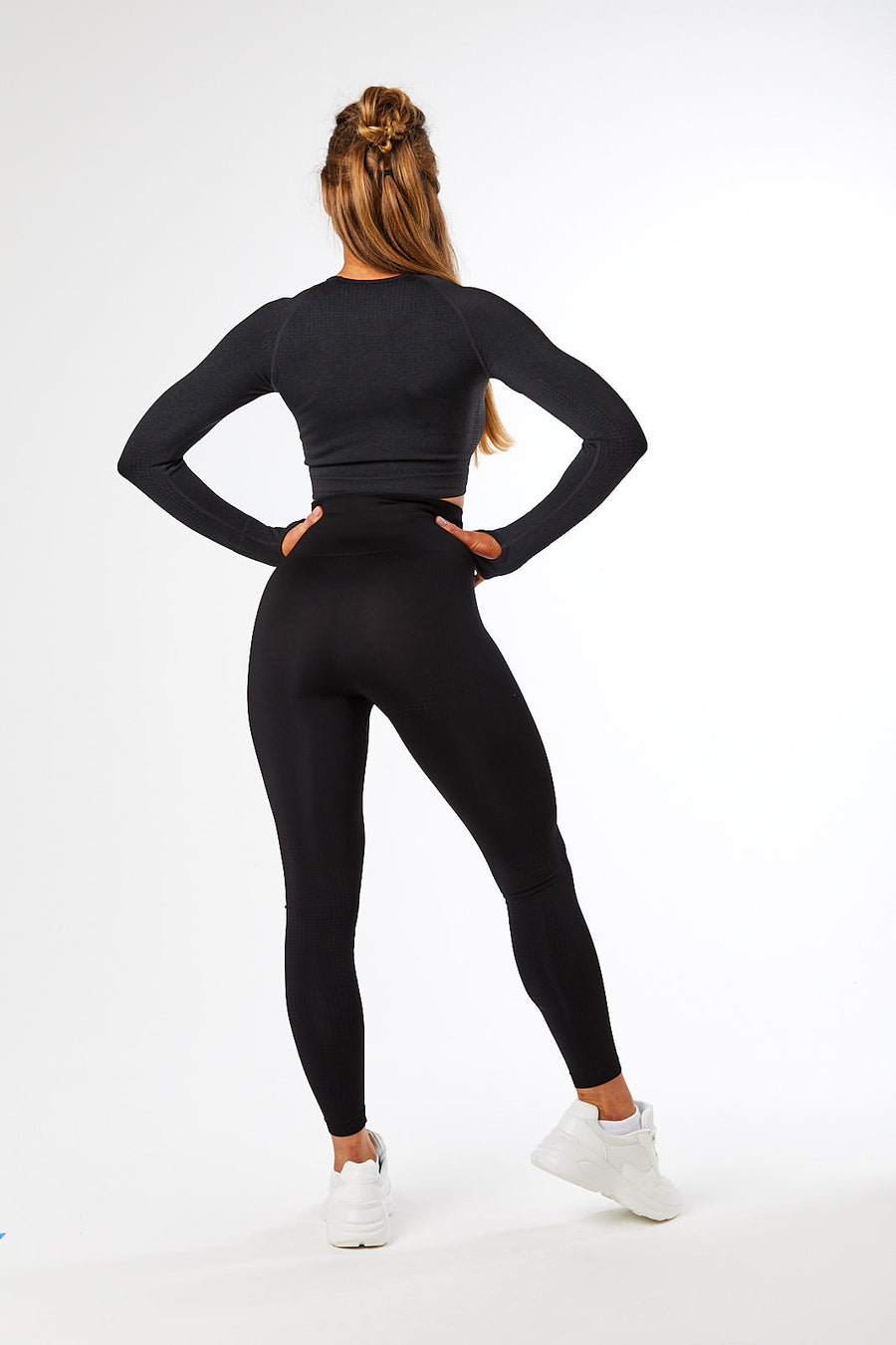 SEAMLESS LONG SLEEVE CROP JET