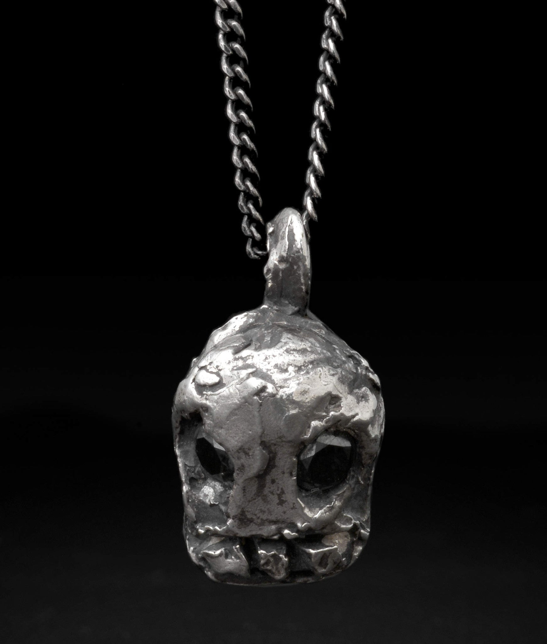 Alice Waese – Mini Voodoo Skull Necklace