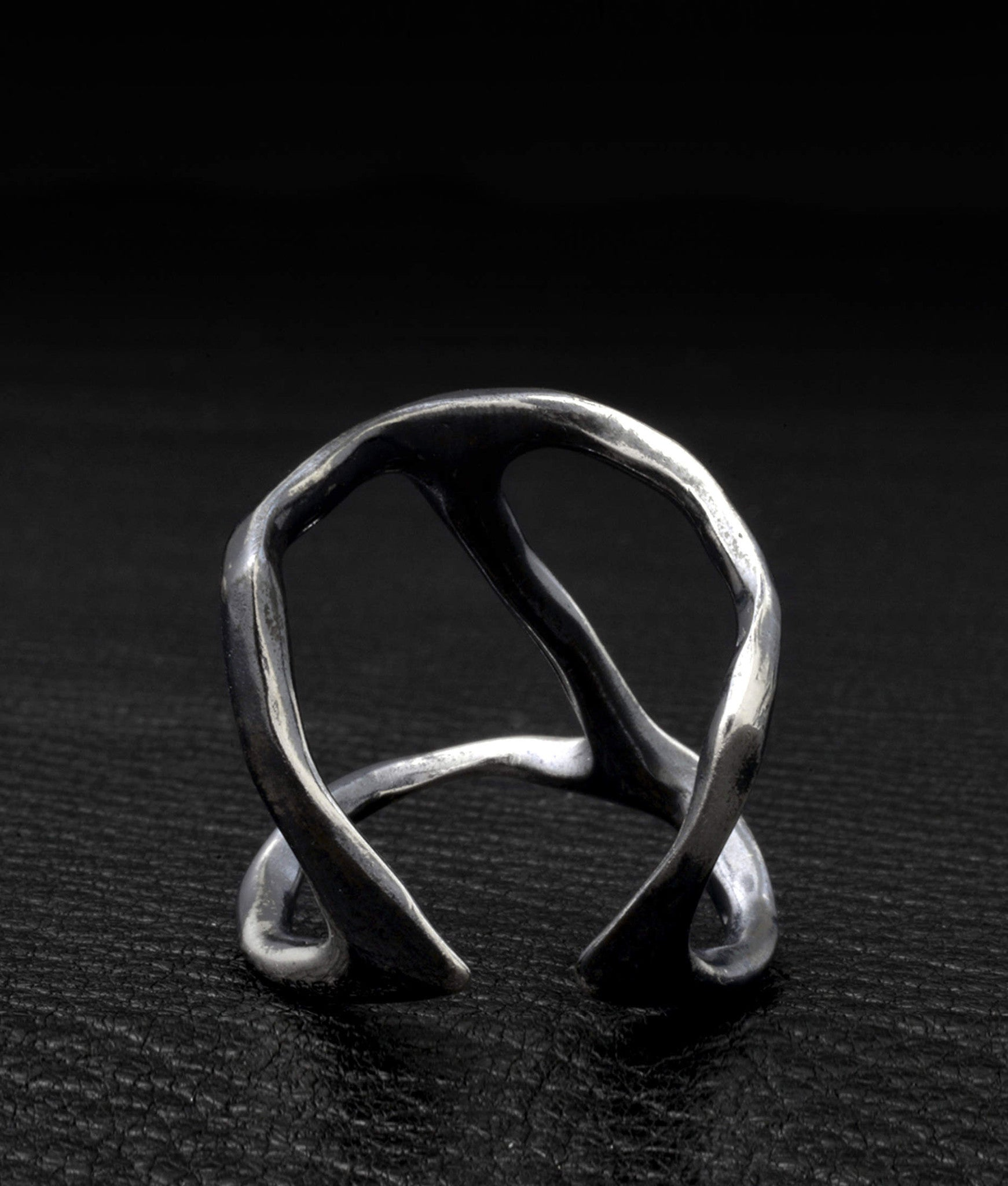 Chin Teo – Cave Ring