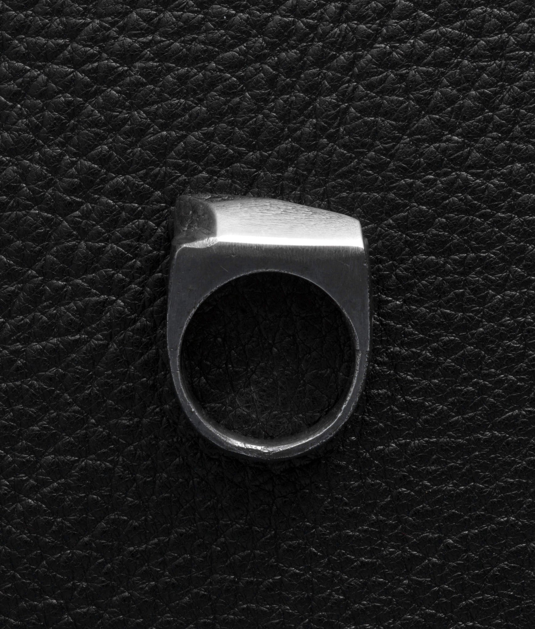 Lee Brennan Design – Horizon Ring
