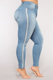 *COMING SOON* BigLuv Shinin' Curvy Skinny Jeans - Light Blue Wash