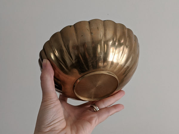 Vintage Scalloped Brass Bowl Candle (Medium)