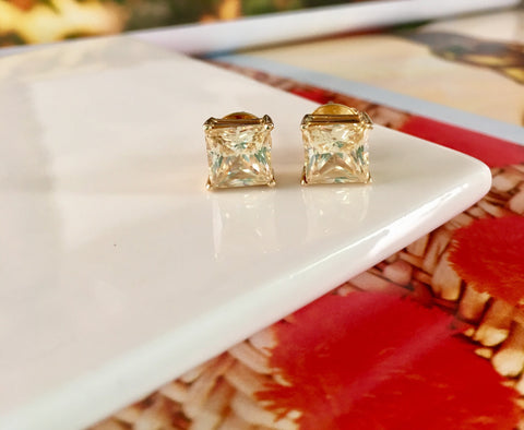 14kt solid gold Princess cut