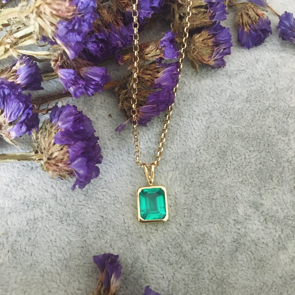 Emerald necklace 14kt solid gold