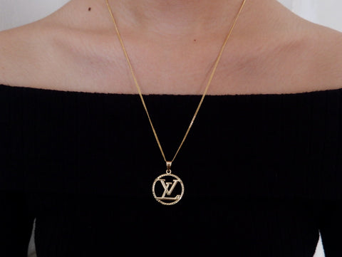 18k SD gold LV necklace