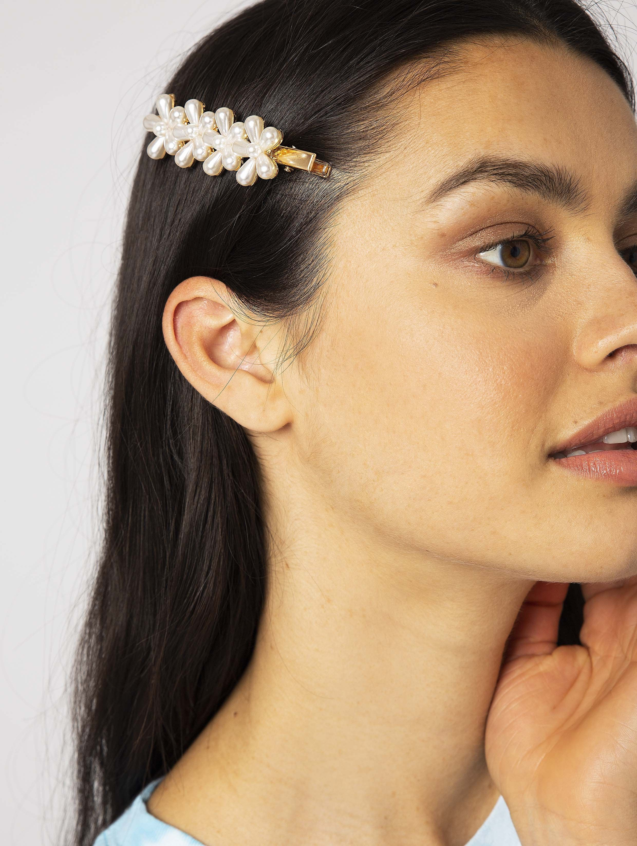 Pearl Daisy Hair Slide