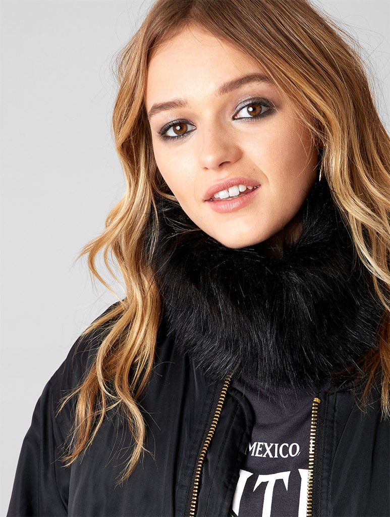 Black Fur Vega Snood